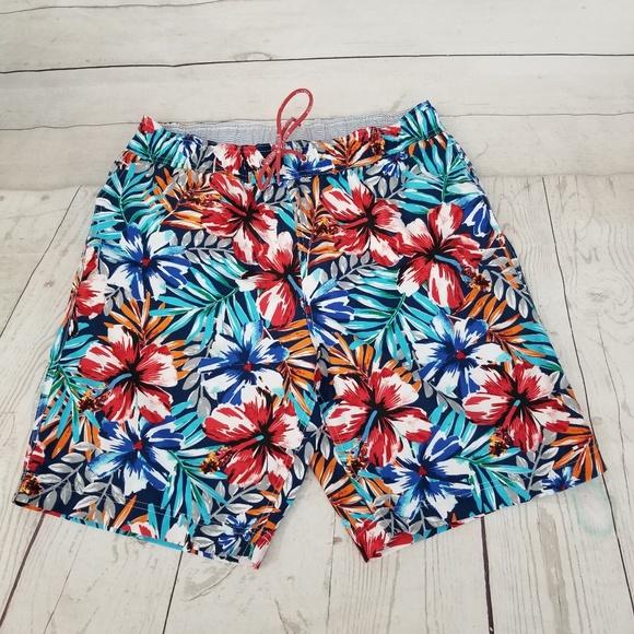 8fee2d0488 Tommy Hilfiger Mens L Tropical Floral Swim Trunks.  M_5c743b8eaa87708f20d26364
